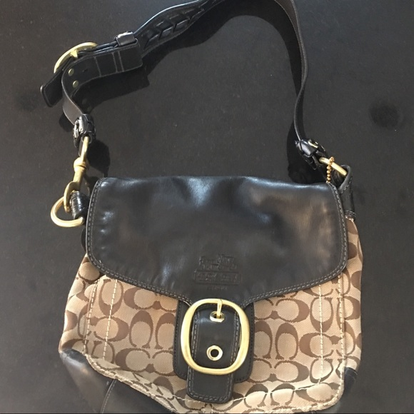 GIVE AWAY ALMOST!!! Great condition Coach Bag! bc37a781af497